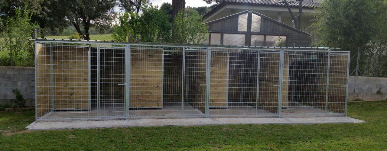 Esport canin jaulas para perros for Casetas de plastico para jardin